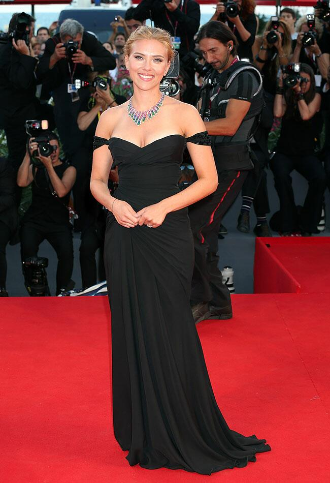 Scarlett Johansson: Getty / TheKnot.com