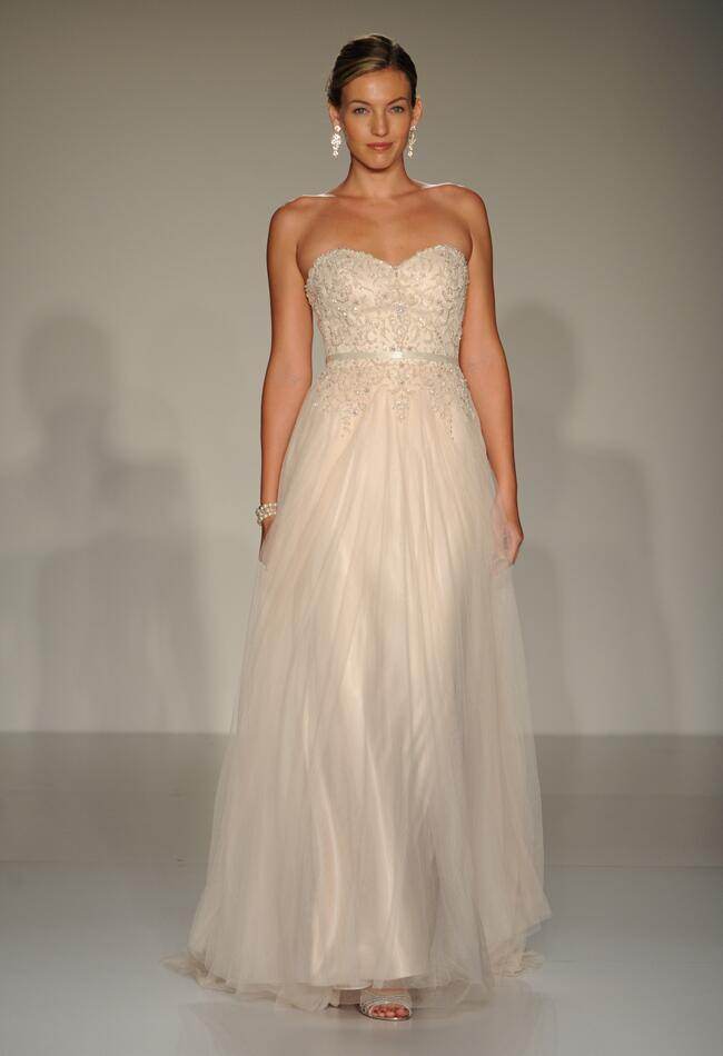Sottero and midgley 2015 wedding dresses stay classic with for Antique inspired wedding dresses