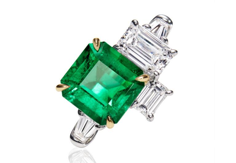 Harry Winston Emerald Ring//The Knot Blog