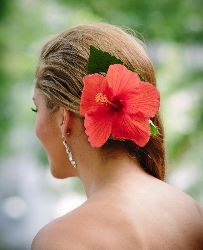 Bright Flower Bridal Hair