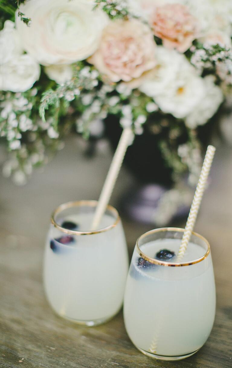 Lemonade Champagne spritzer signature wedding cocktail