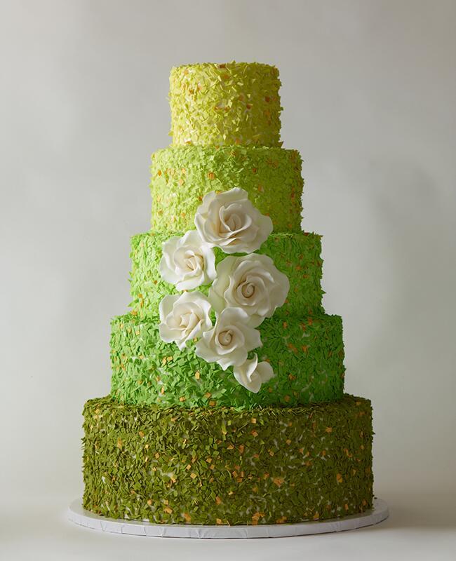 Green cake: Philip Ficks / TheKnot.com