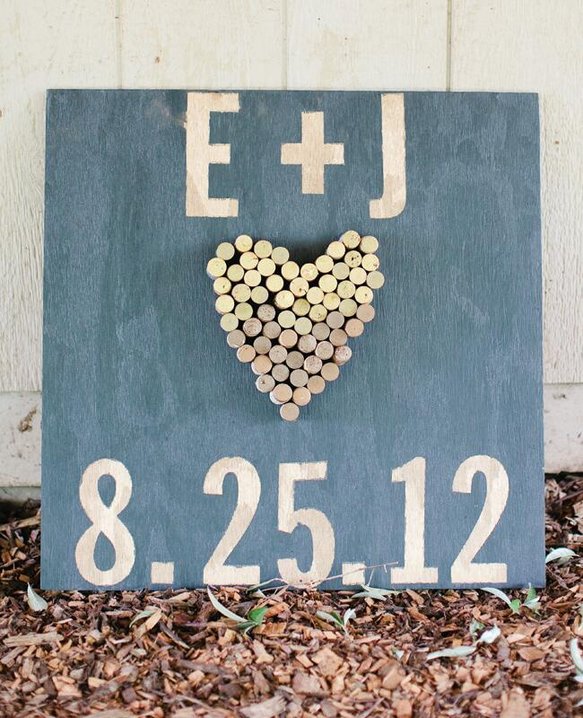 Wedding decor with wine corks: Marta Locklear Photography / TheKnot.com