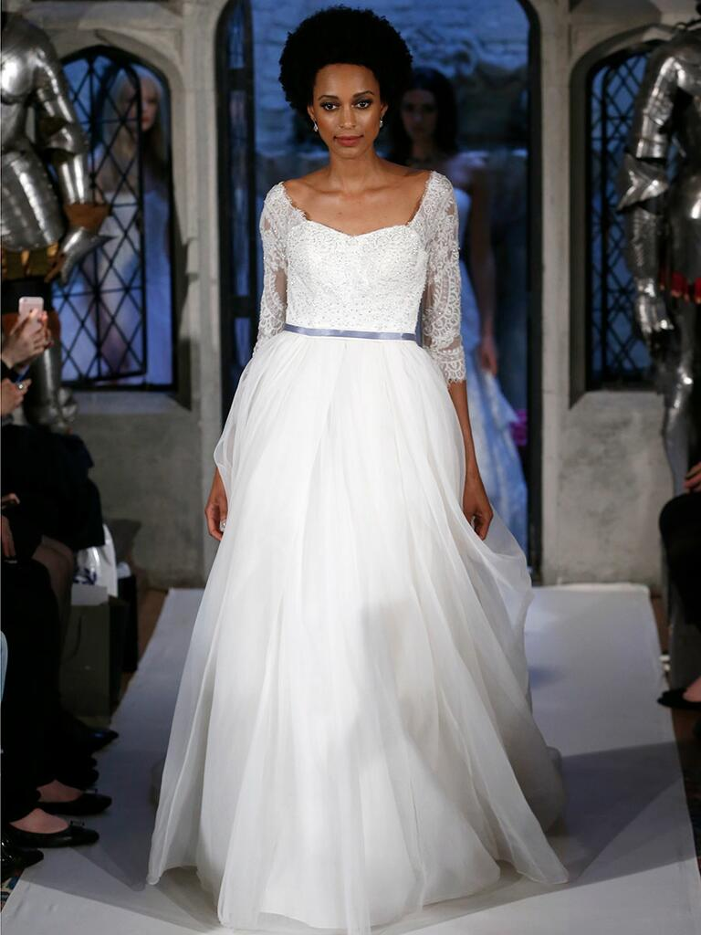 Oleg cassini spring 2018 collection bridal fashion week for Wedding dress designer oleg cassini