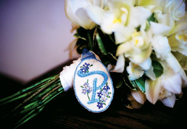 Bouquet Wraps That Wow   Photo: Julie Harris Photography   Blog.TheKnot.com