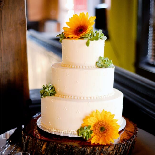 Sunflower Wedding Cake Ideas: White Sunflower Cake