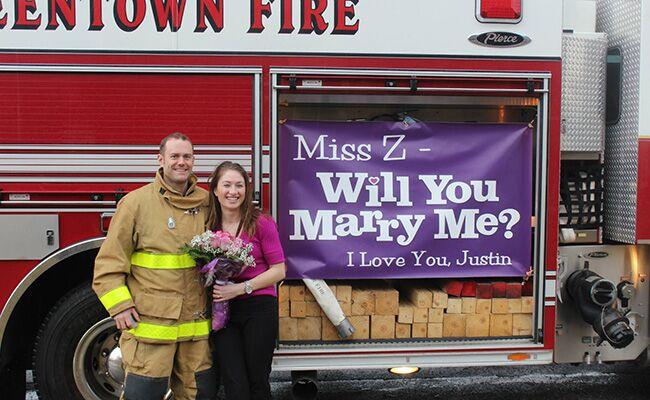 Firefighters Proposal To Teacher Girlfriend At A Fire Drill