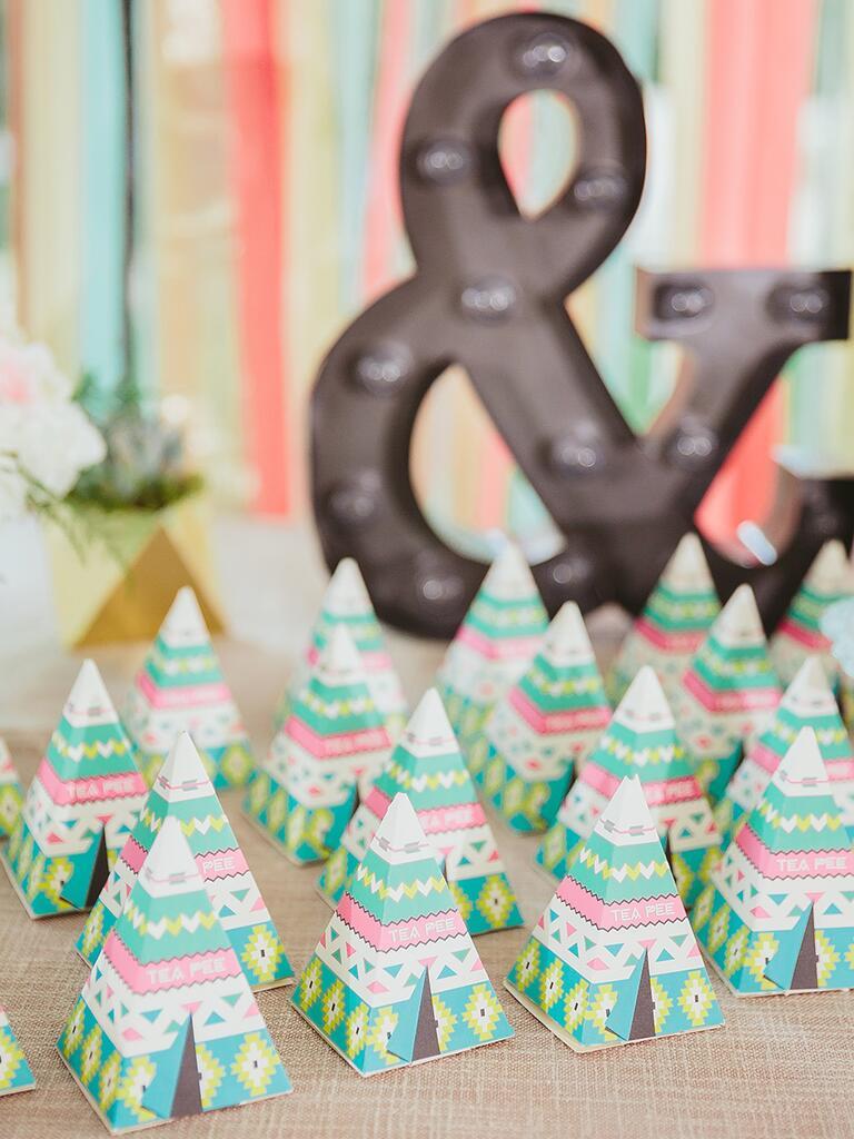 Creative tea wedding favor idea