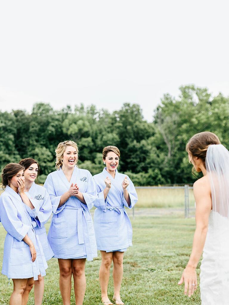 Unique bridesmaids first look idea