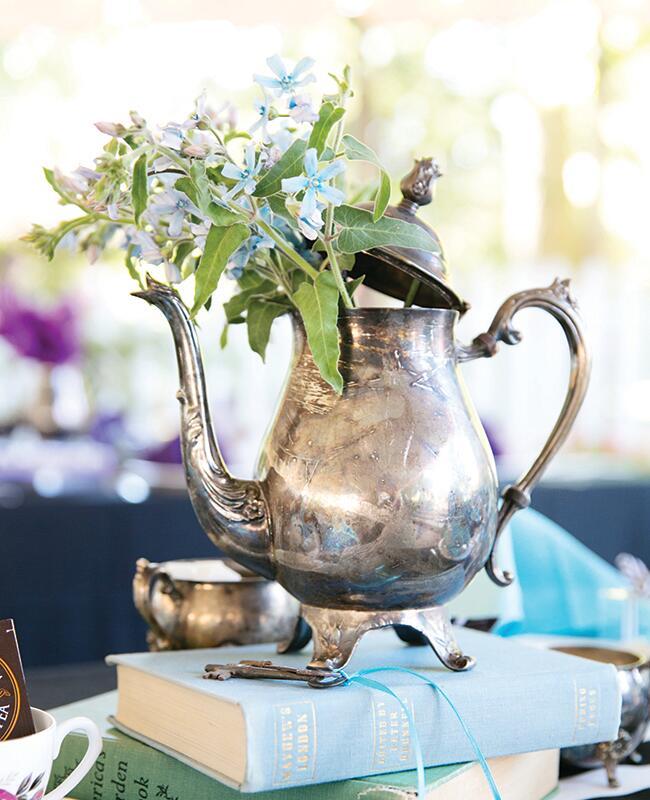 teapot centerpiece antique |<img class=