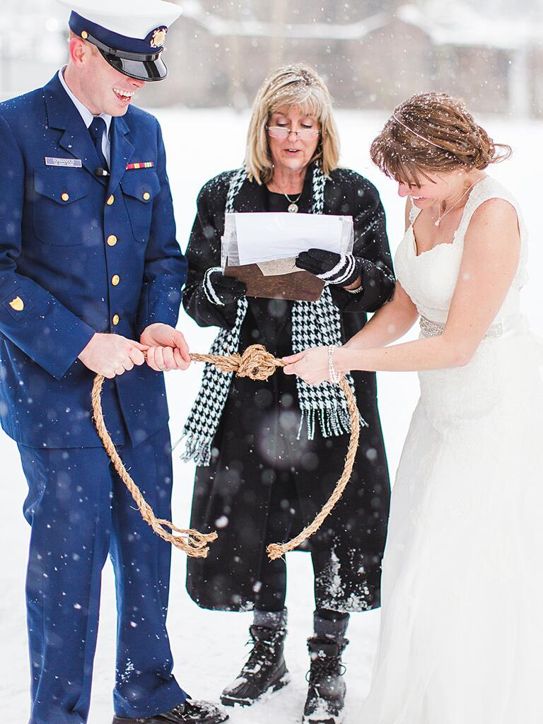 Tying the knot as an alternative to a unity candle ceremony