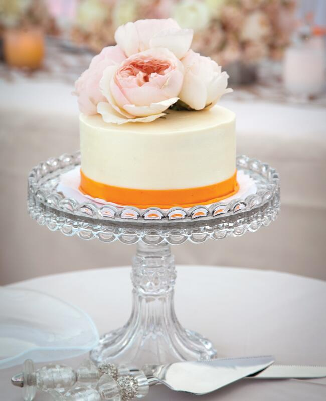 Everything You Need To Know About Wedding Cake: 9 Simple Wedding Cakes With Just One Layer