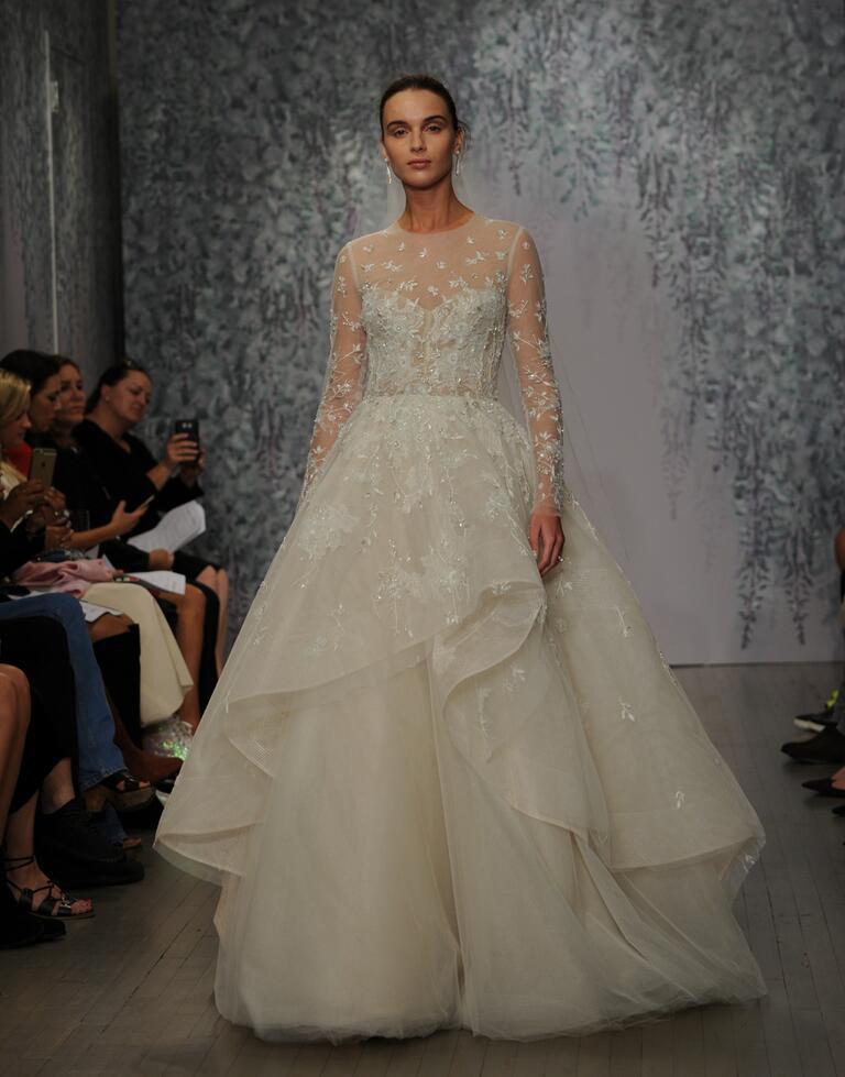 Monique lhuillier fall 2016 collection wedding dress photos for Price of monique lhuillier wedding dresses