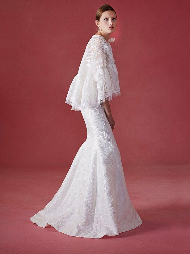 Audrey hepburn wedding dress style