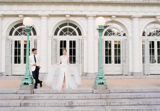 Monique Lhuillier detachable tulle skirt wedding dress | Corbin Gurkin | blog.theknot.com