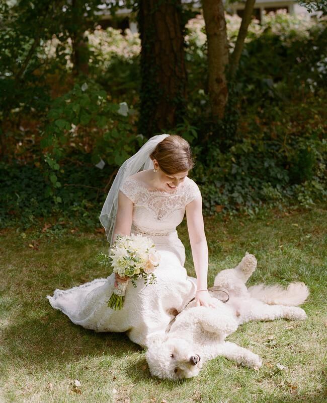 8 cute farm animal wedding photos