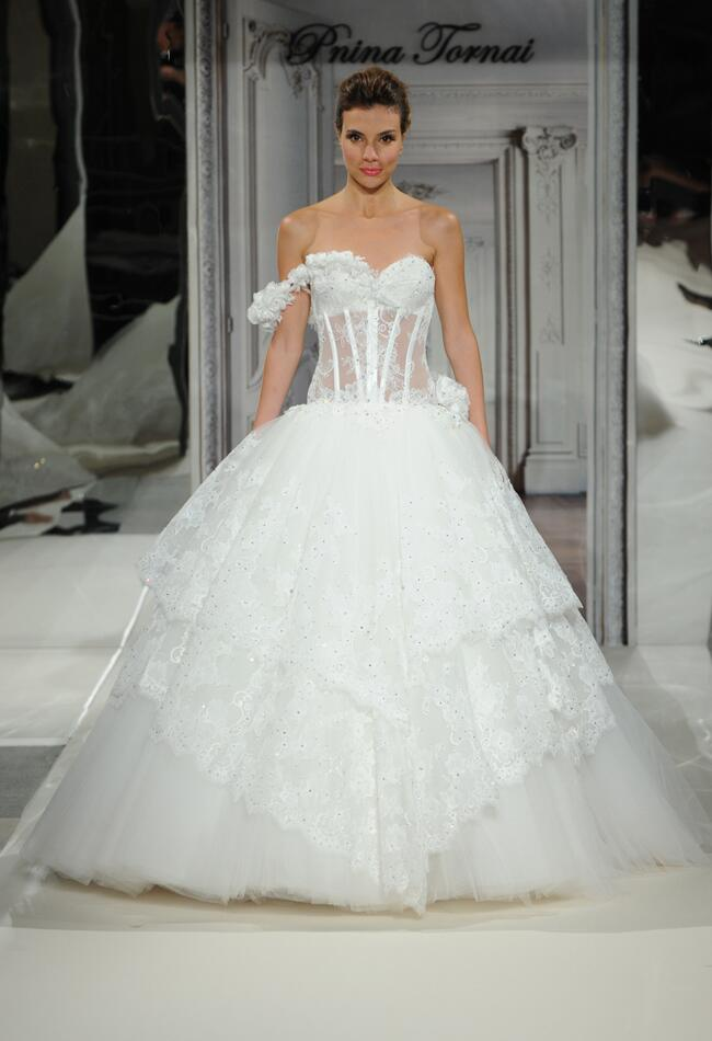 Pnina Tornai Wedding Dress//Photo by Kurt Wilberding//The Knot