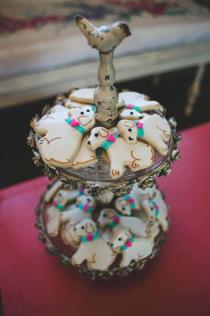 Dog cookie favors at a wedding