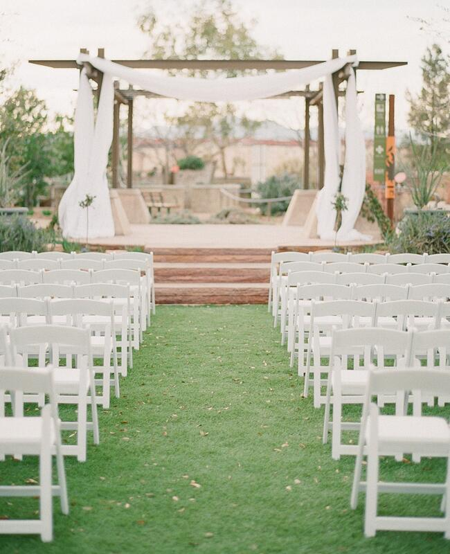Ways to make your outdoor wedding intimate |<img class=