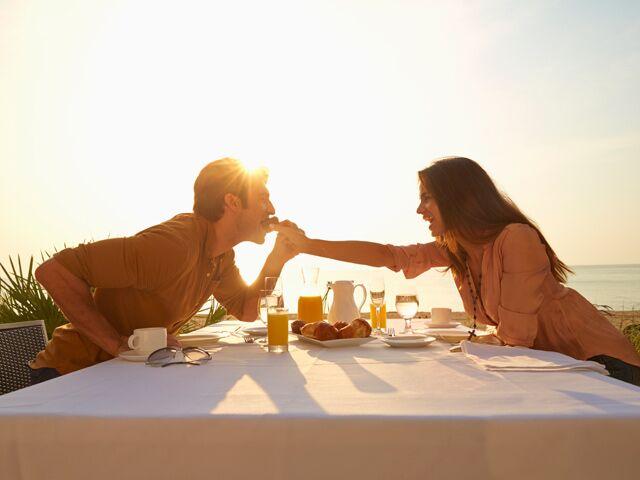 25 Sweet Ways to Celebrate Your Wedding Anniversary