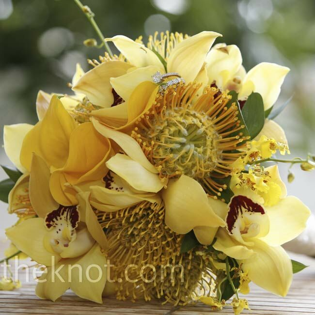 Black And Yellow Wedding Flowers: Yellow Wedding Bouquet