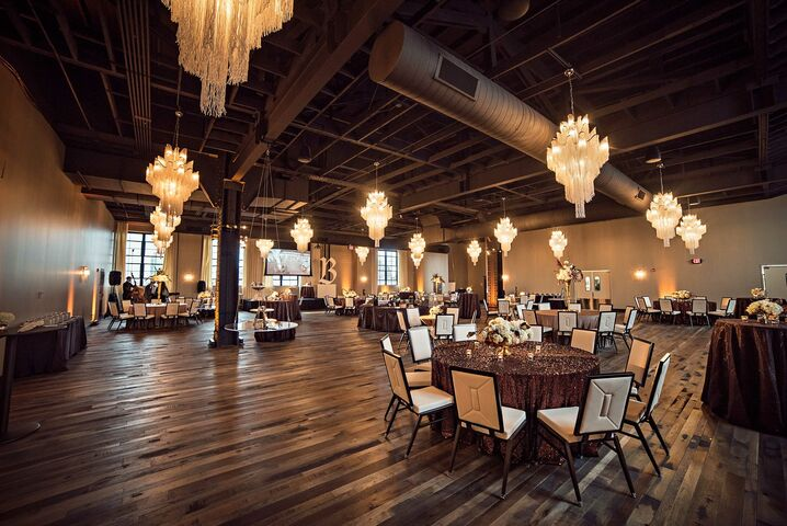 The caramel room at bissinger 39 s st louis mo for Small private wedding venues