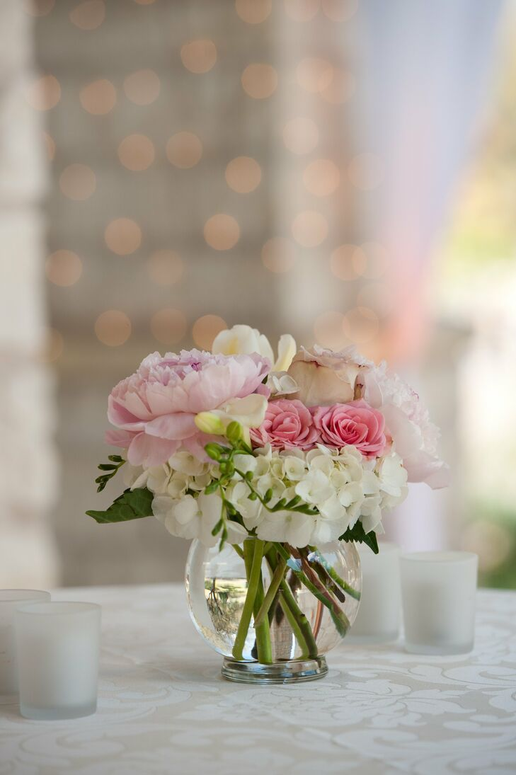 Small pink and white centerpieces