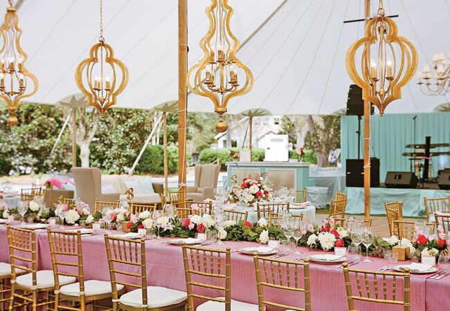 Hanging Wedding Decor Is Really Having A Moment And It Doesn T Get Much More Clic Than An Ornate Chandelier While You Might Be Used To Seeing