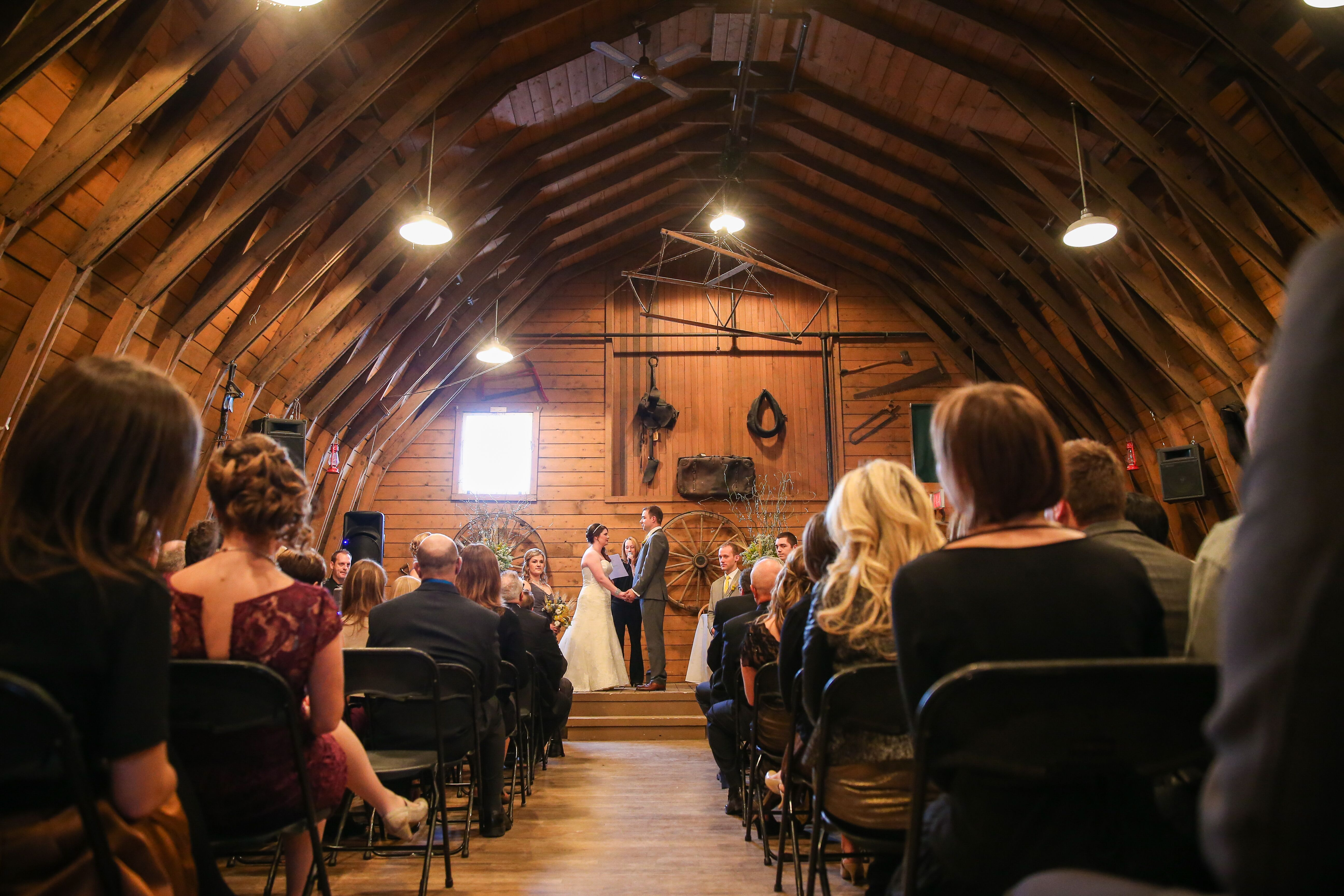Cash 4 Sc >> Gunn's Dairy Barn Ceremony