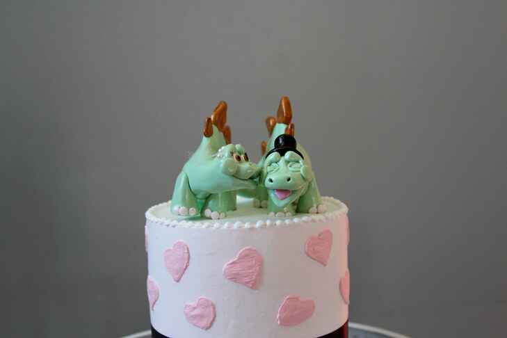 dinosaur wedding cake dinosaurs are a comeback in weddings 13530