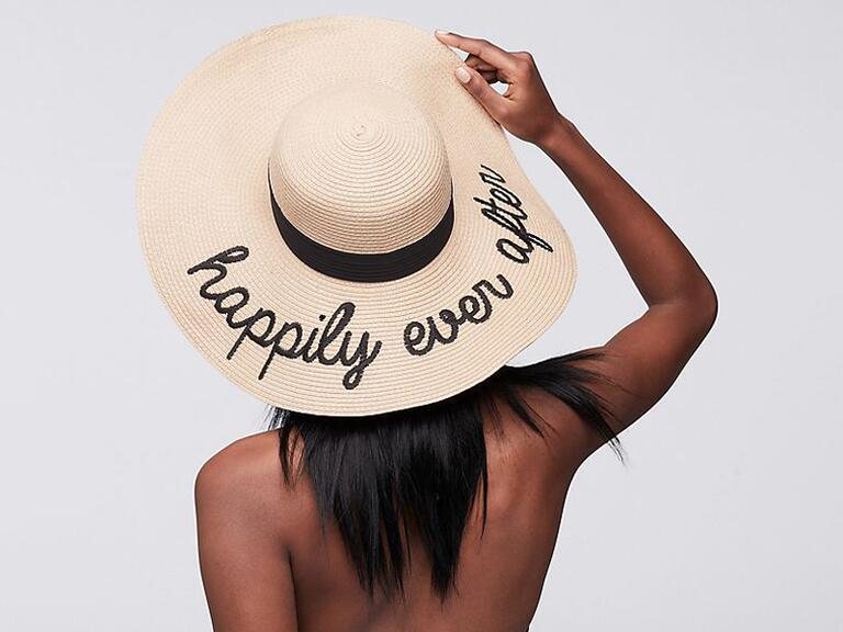 Regalo di addio al nubilato con cappello floscio per Happily Ever After