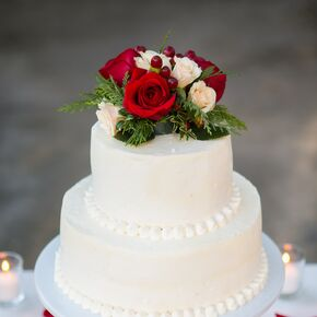 Ivory Beaded Wedding Cake With Roses