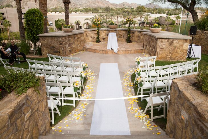 Outdoor Ceremony Venue At Wrigley Mansion