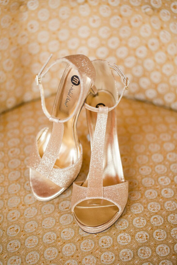 Katie's gold glitter peep toe heels added a touch of glam to her bridal style.