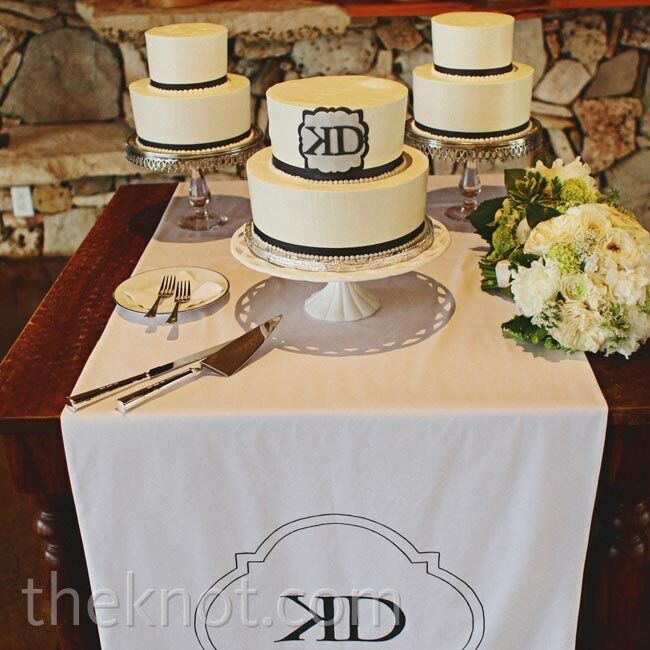 small casual wedding cakes small white wedding cakes 20207