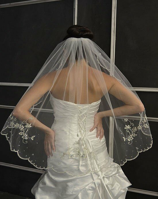 Elena Designs E1150 Short Wedding Accessory photo