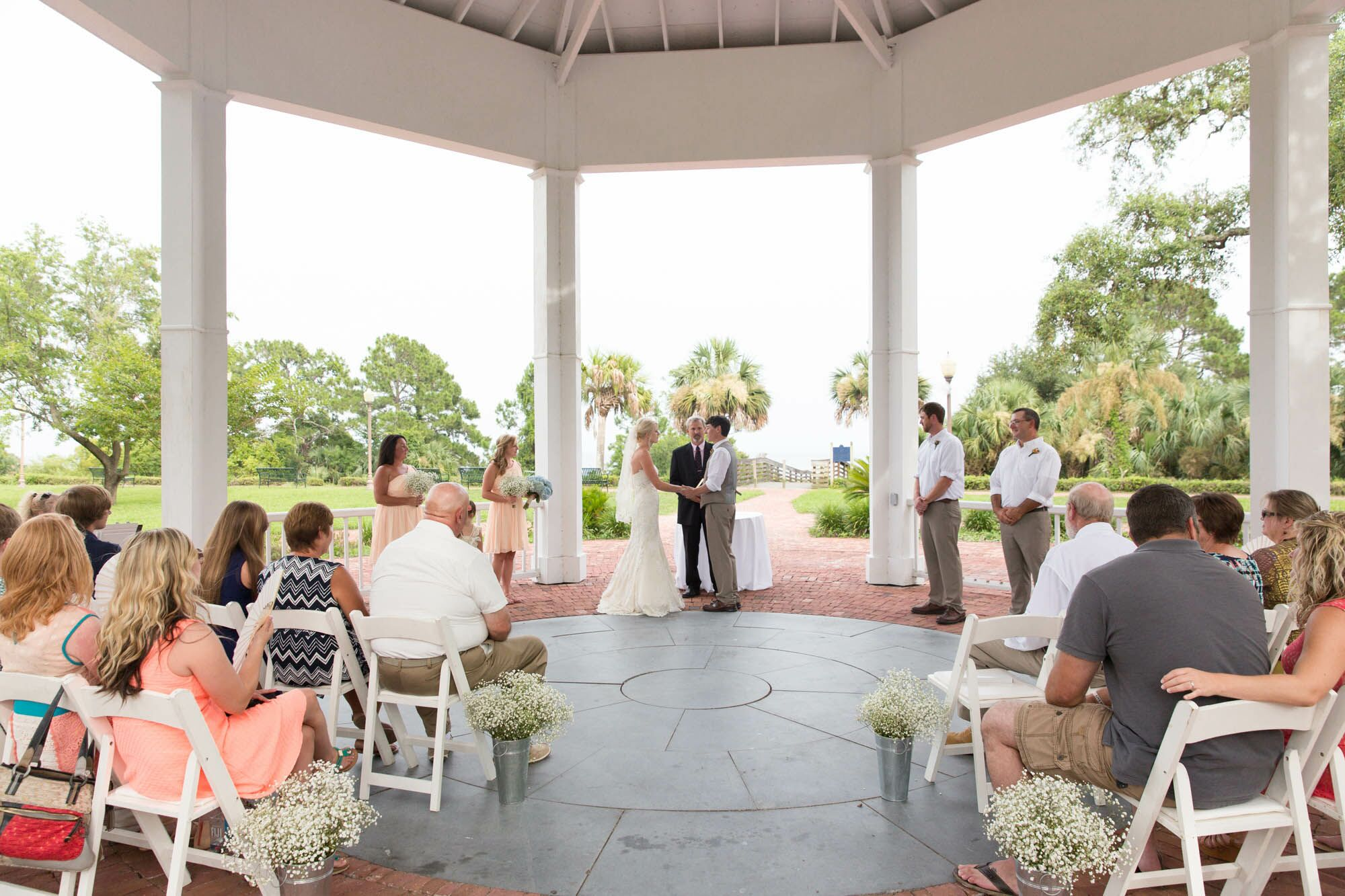 A Simple Wedding at the Owl Cafe in Apalachicola, Florida