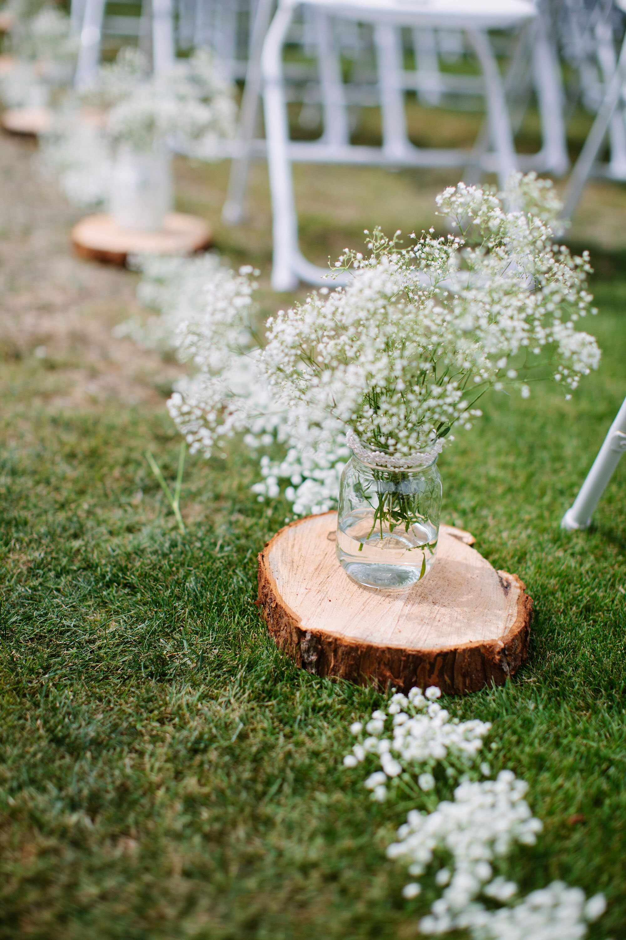 Baby S Breath Aisle Runner With Wooden Slabs
