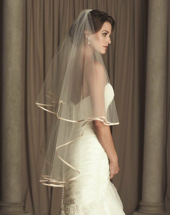 Paloma Blanca Veils Collection V442FD Wedding Accessory photo