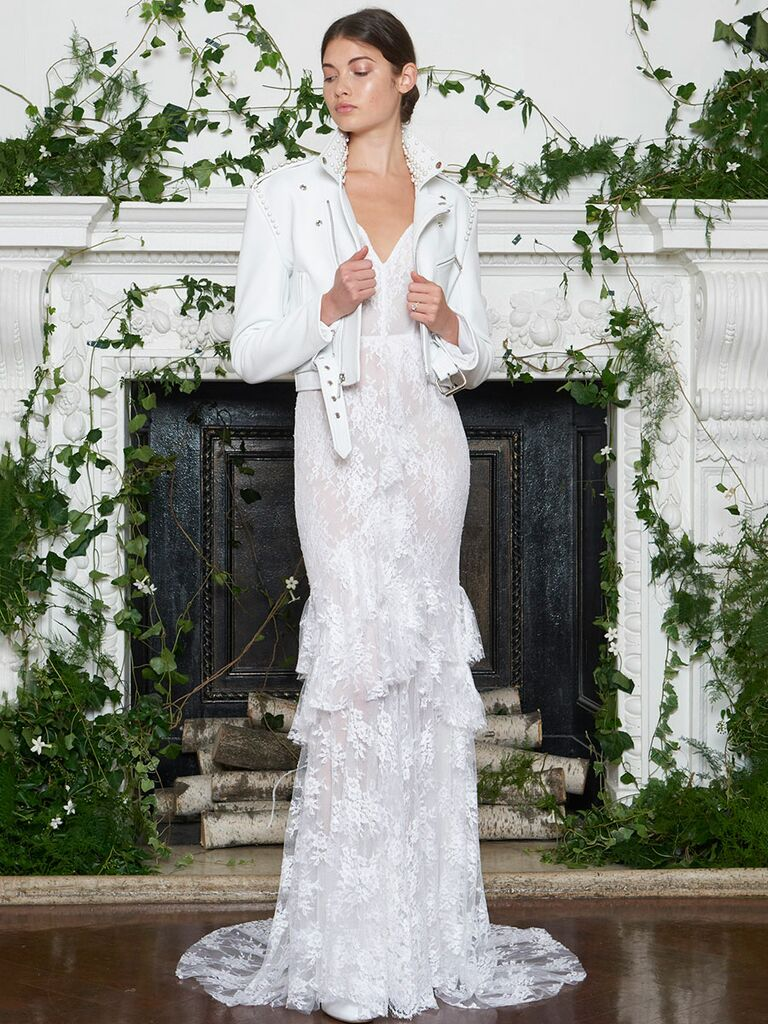 Monique Lhuillier Fall 2018 Collection: Bridal Fashion Week Photos