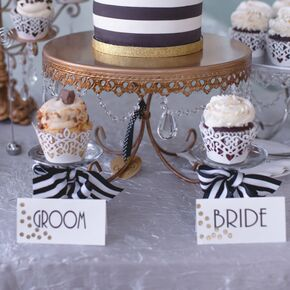 Black And White Single Tier Wedding Cake