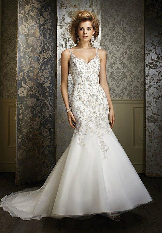 Alfred Angelo Sapphire 883 Wedding Dress photo