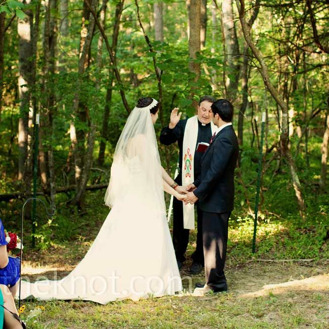 Christian Wedding Ceremony: Outdoor Christian Ceremony