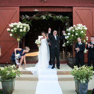 A Country-Chic Barn Wedding in Redding