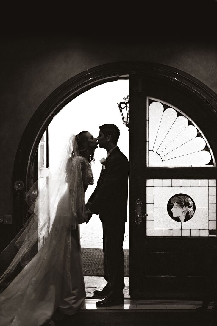 A Traditional Christmas Wedding At The Catlin Gardens Inn In Slate Hill New York