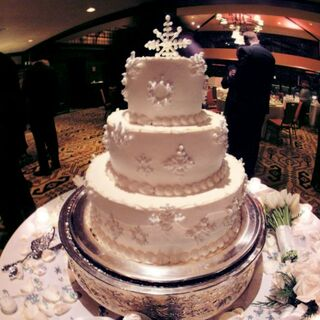 Real Winter Wedding Cakes