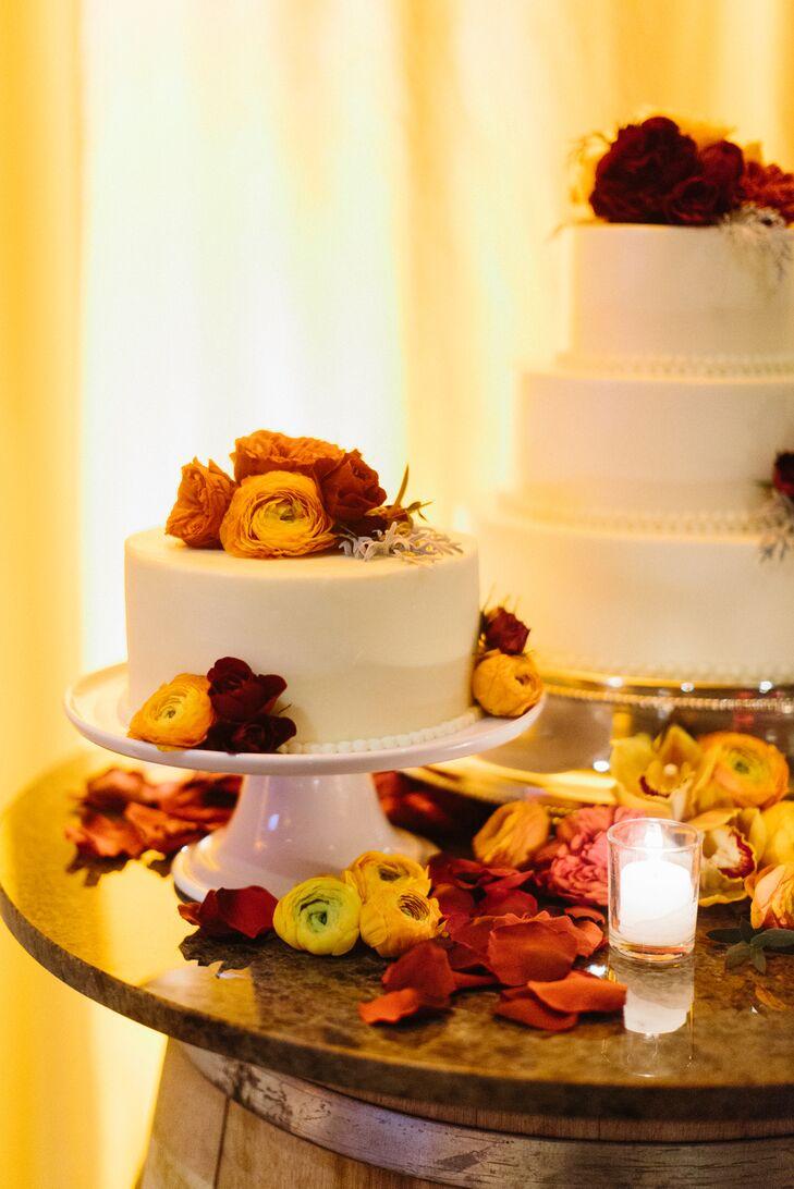 White Wedding Cakes With Fresh Flowers