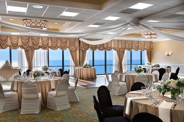 0a847bb2 8790 4484 a864 037597e9318e~sc 604 - myrtle beach destination wedding