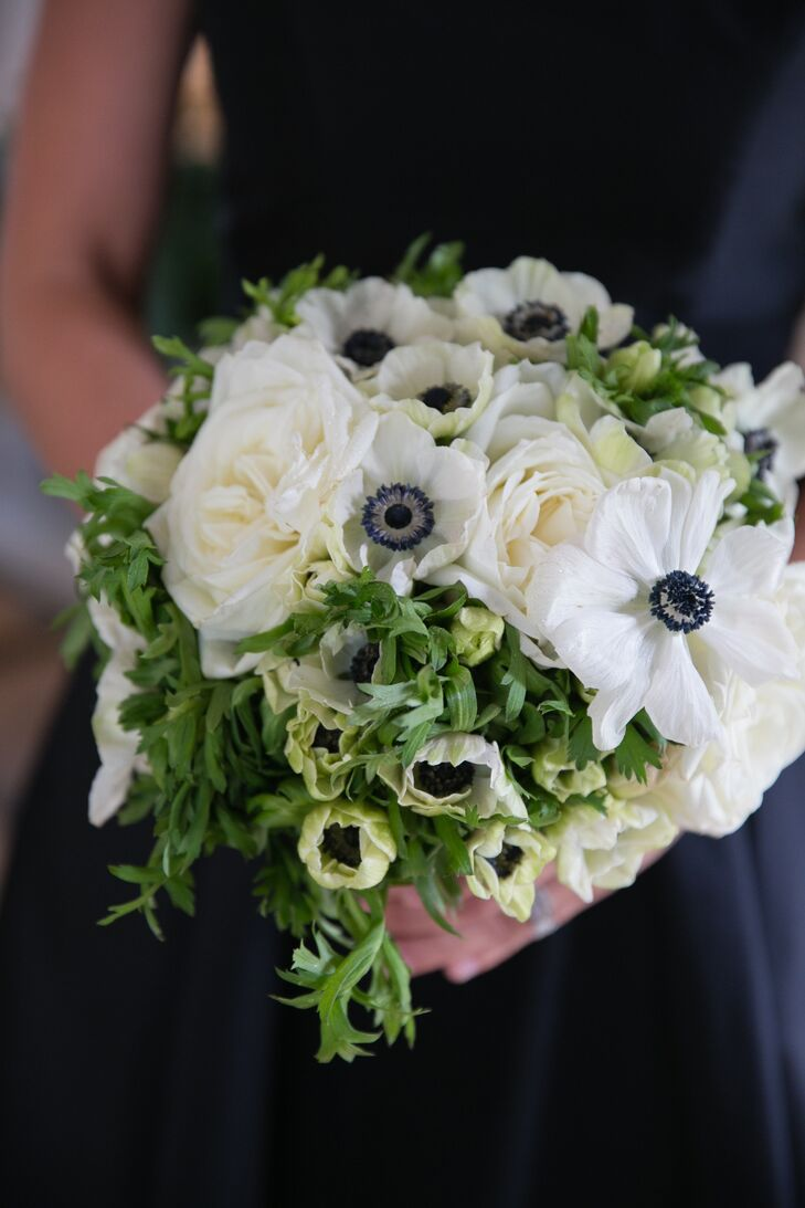 Emily wanted a very natural, soft look for her flowers. Her neighbor and friend, Banchet Jaigla, owner of Banchet Flowers, created a bouquet of white garden roses, anemones and greens.