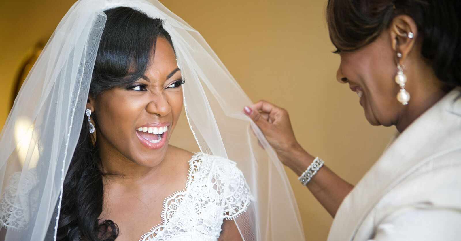 6a23e287b25 Everything to Know About Wedding Veil Lengths